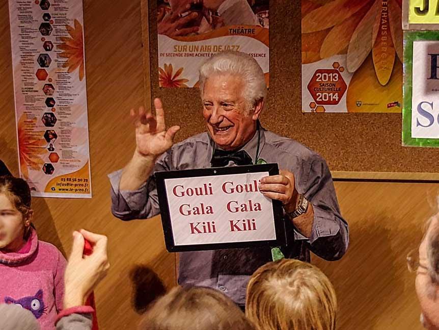 Jam Bess, Magicien retraité après une longue carrière à EUROPA PARK (Parc d'attractions N° 1 en Allemagne), où il a commencé à travailler en 1993. Président du Cercle Magique d'Alsace de 1980 à 1981.