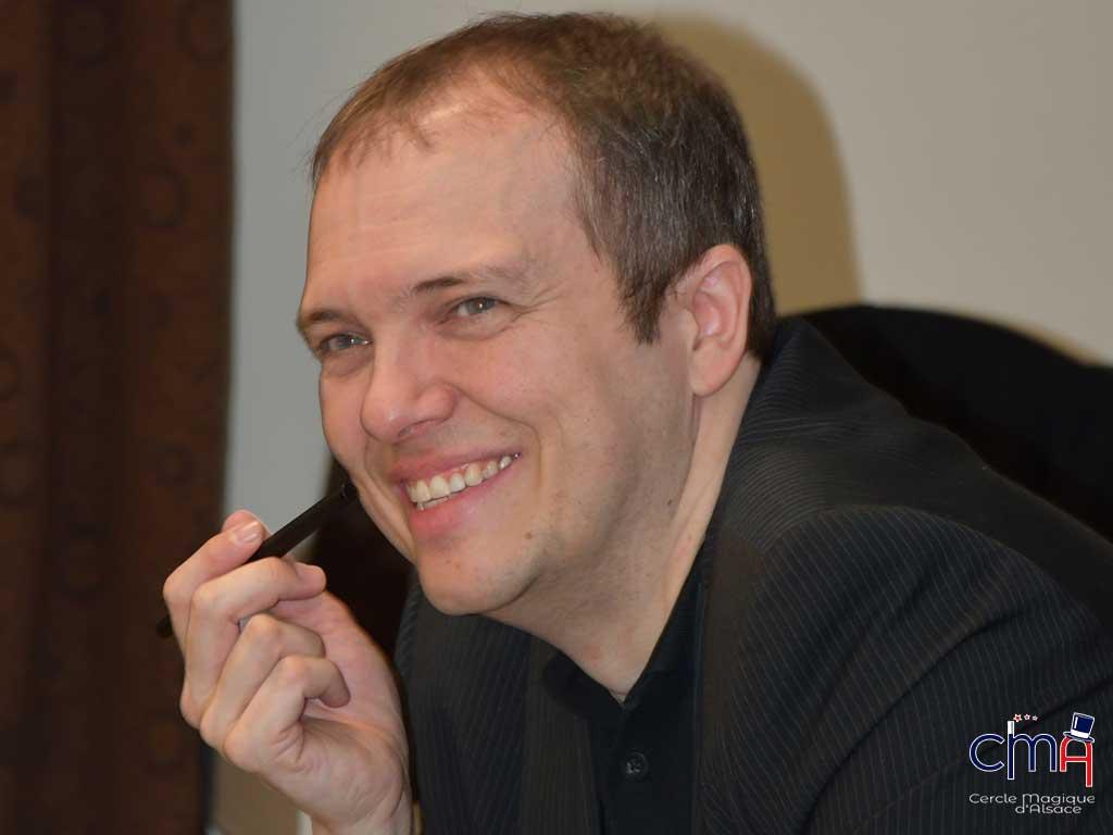 Boris Wild lors d'un Workshop au Cercle Magique d'Alsace en 2020.