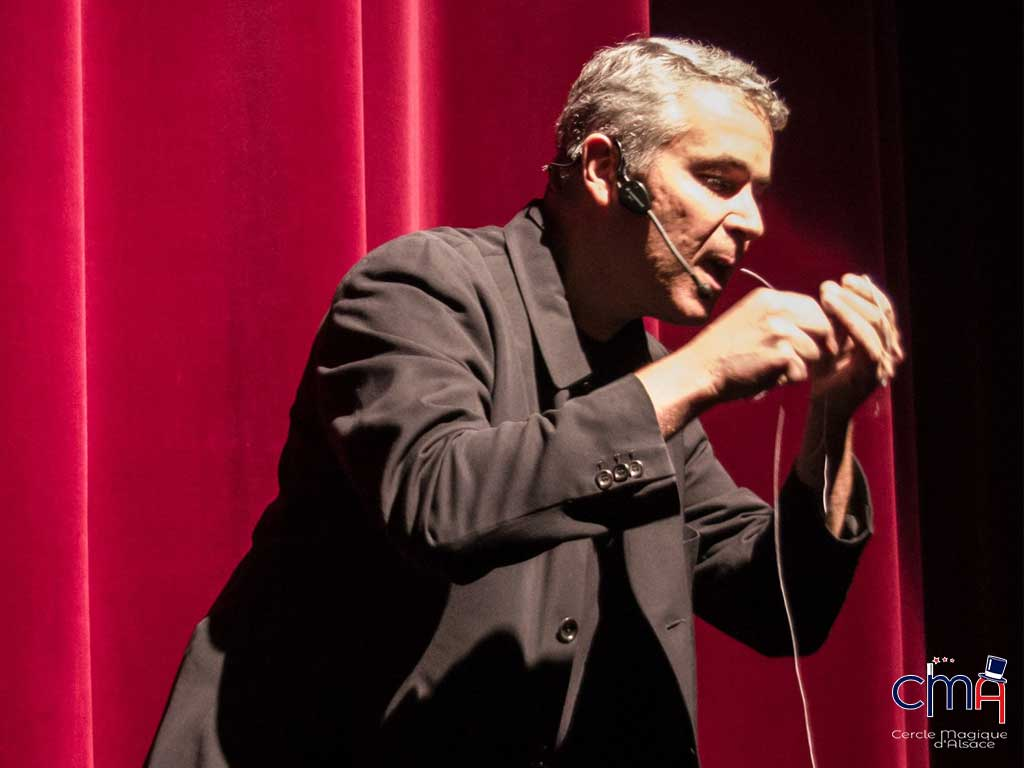 Olivier Morlieras, magicien au Cercle Magique d'Alsace.